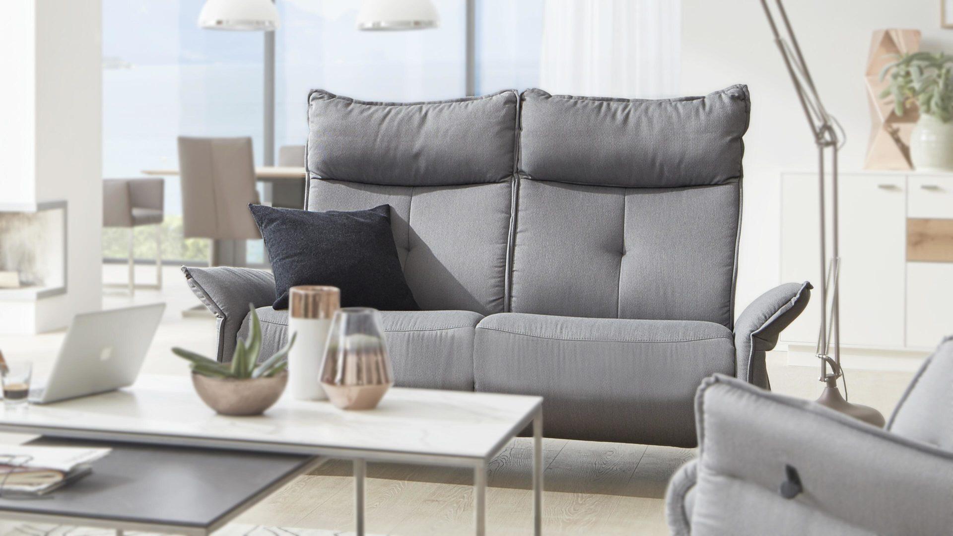Interliving Sofa Serie 4200 2 5 Sitzer Hellgrauer Bezug Q2 Struktur Coast