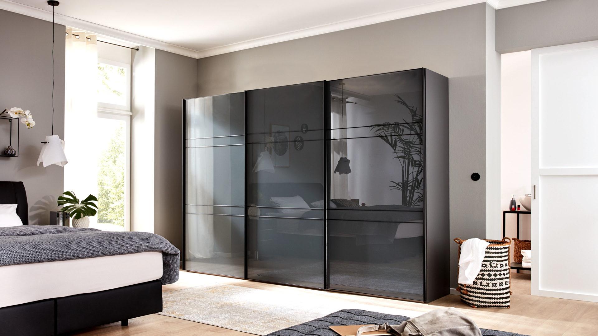 Interliving Kleiderschrank Serie 1203 Vulkanfarbene Glas Und