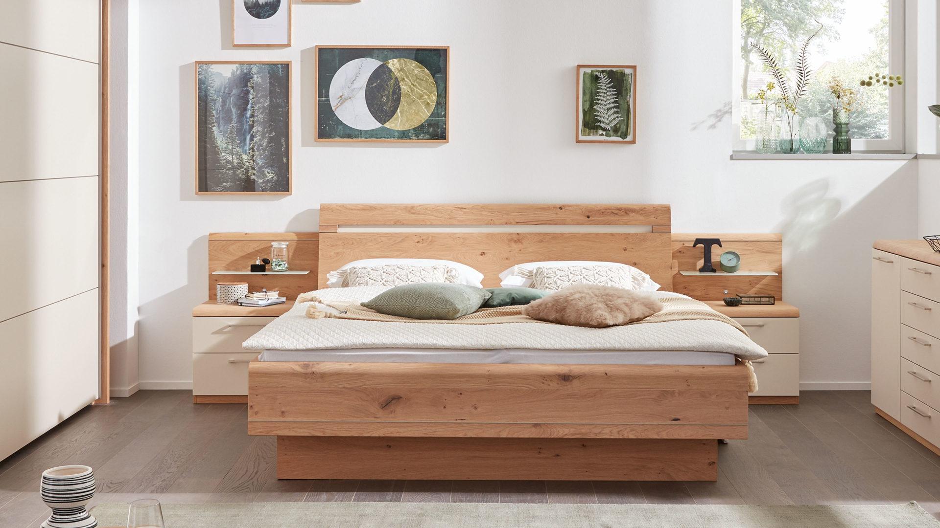 Interliving Schlafzimmer Serie 1013 Doppelbettgestell Mit Nachtkonsolen Und