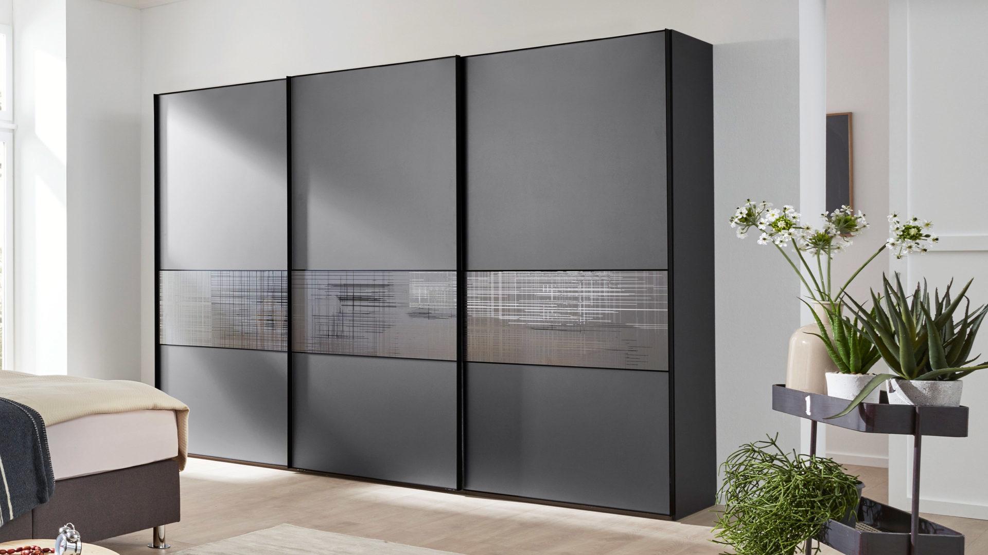 Interliving Kleiderschrank Serie 1204 Graue Glas Und Kunststoffoberflachen
