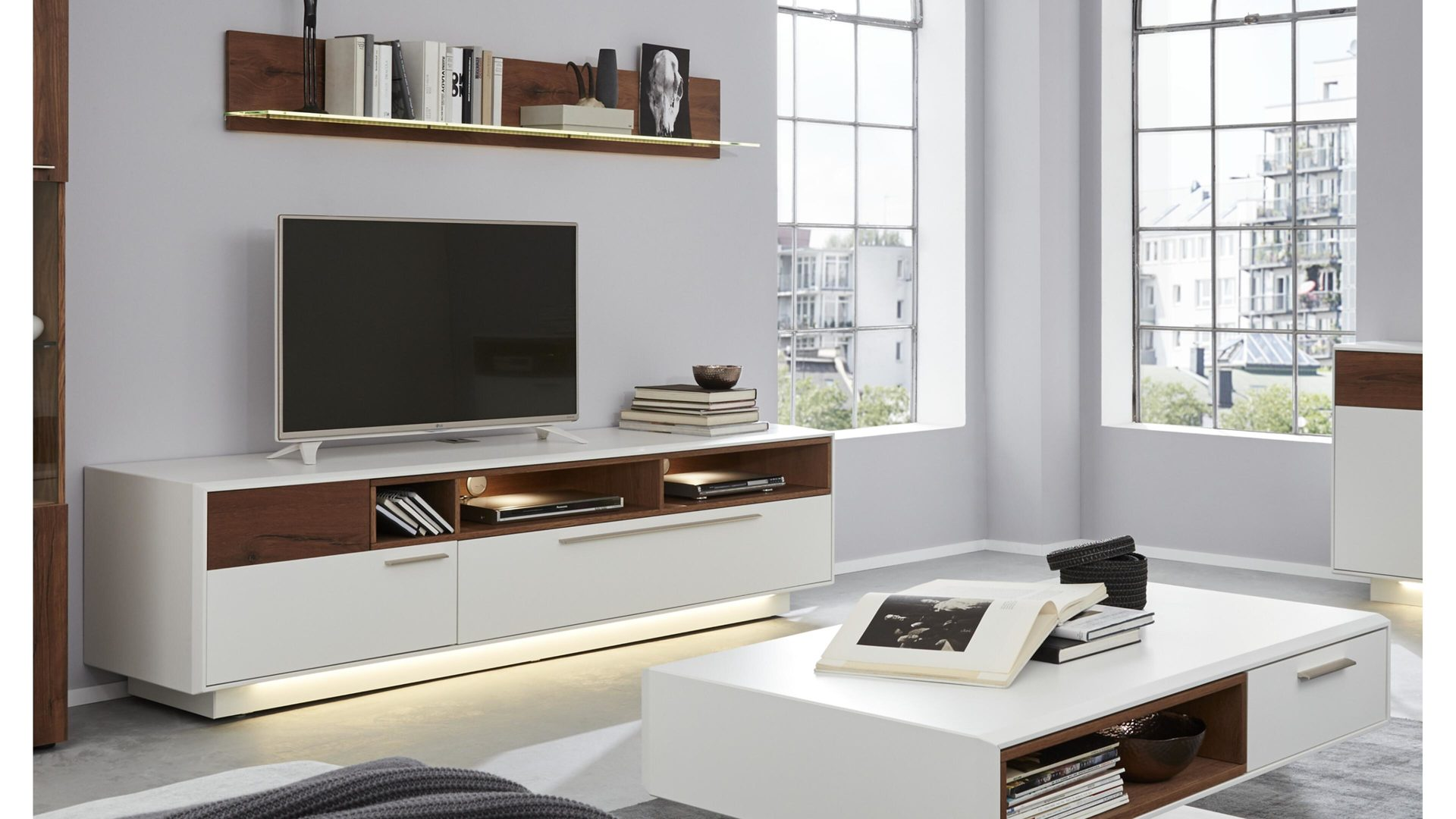 Interliving Wohnzimmer Serie 2102 Medienboard Dunkles Asteiche