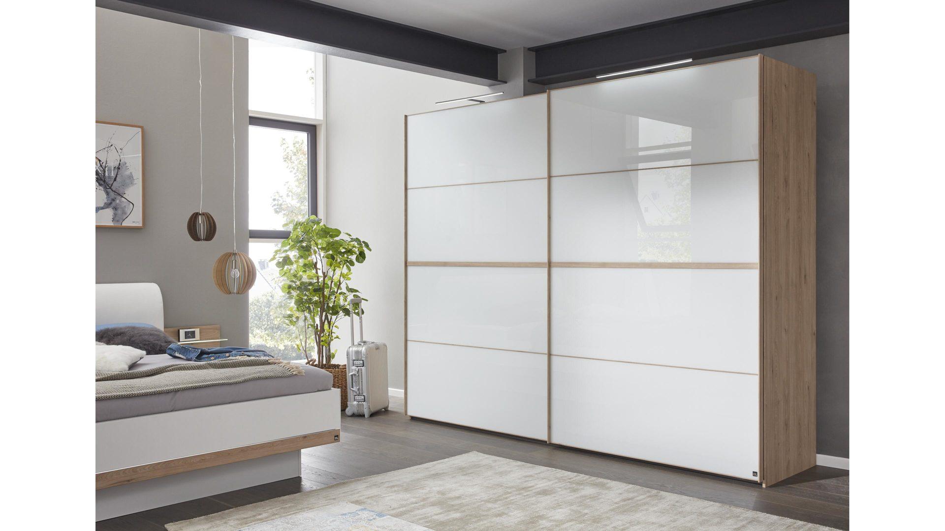 Interliving Schlafzimmer Serie 1010 Schwebetürenschrank Weißes