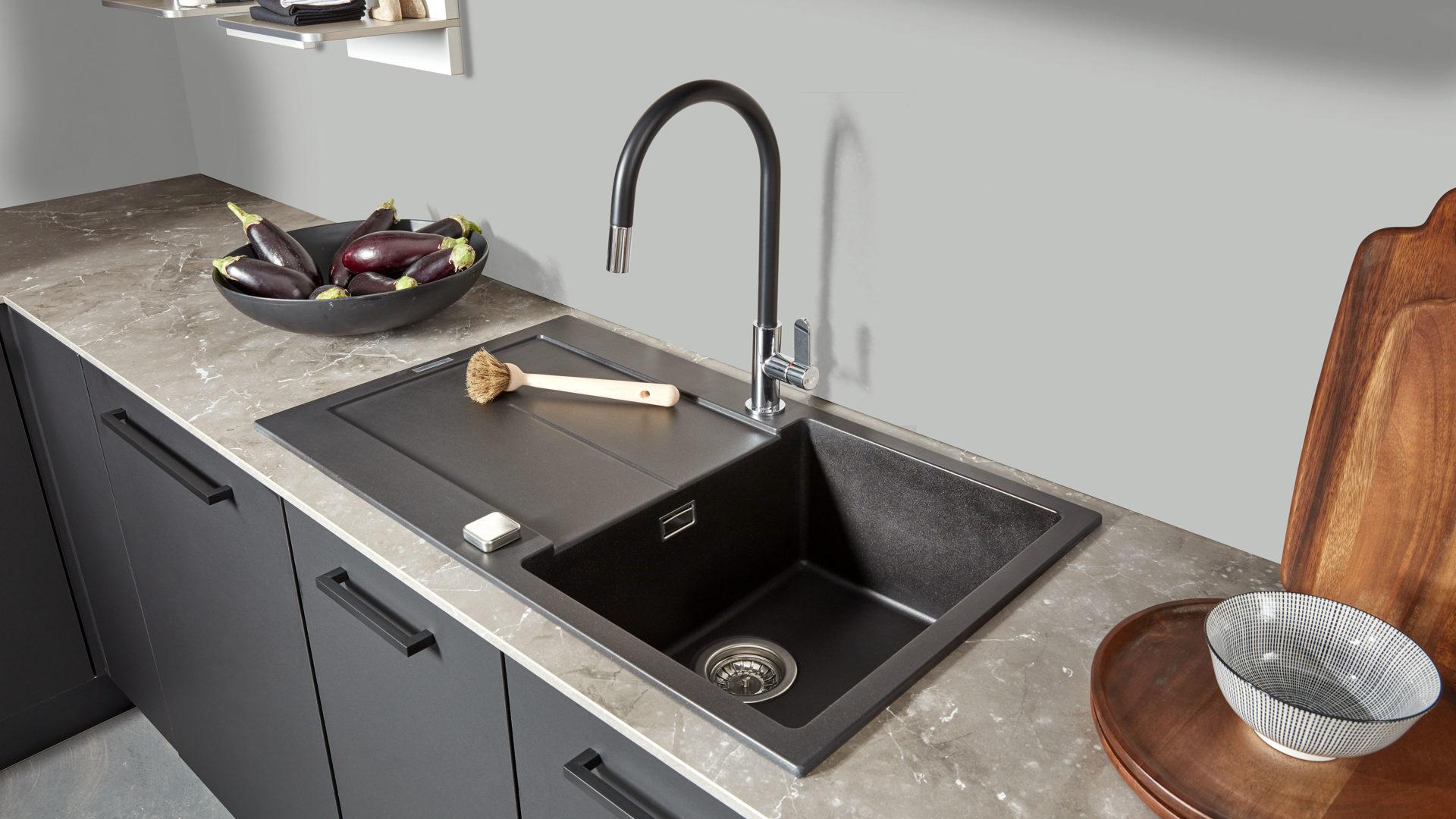 Interliving Küche Serie 3012 mit SIEMENS Einbaugeräten