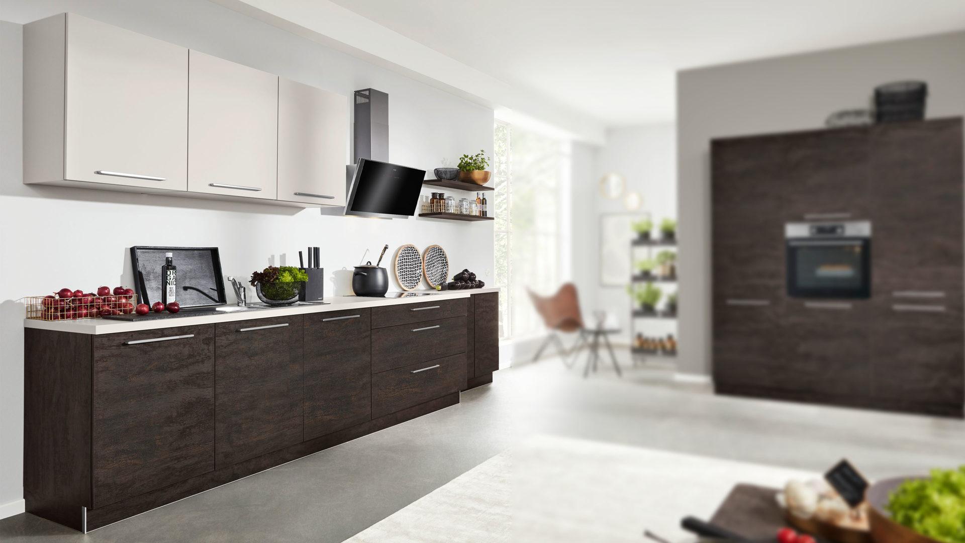Interliving Küche Serie 19 mit AEG Einbaugeräten